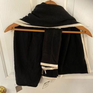 Nordstrom black and white scarf with mtch gloves